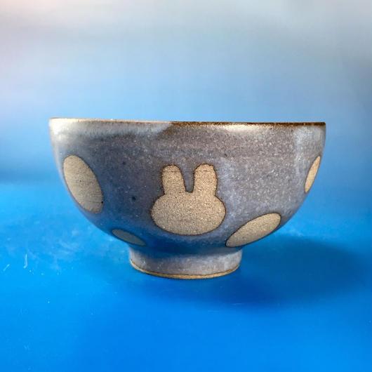 【G034】うさぎ水玉模様のご飯茶碗ミニ(灰透明赤土・うさぎ印)