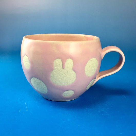【M079】丸いフォルムのうさぎ水玉模様のマグカップ小(マカロンピンク色・うさぎ印)
