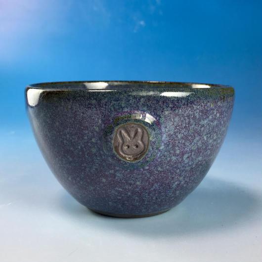 【Y047】淡青赤土の湯呑み茶碗(淡青赤土・うさぎ印)
