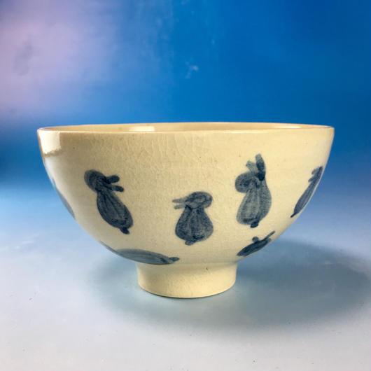 【G051】うさぎ柄のご飯茶碗(呉須手描き・うさぎ印)