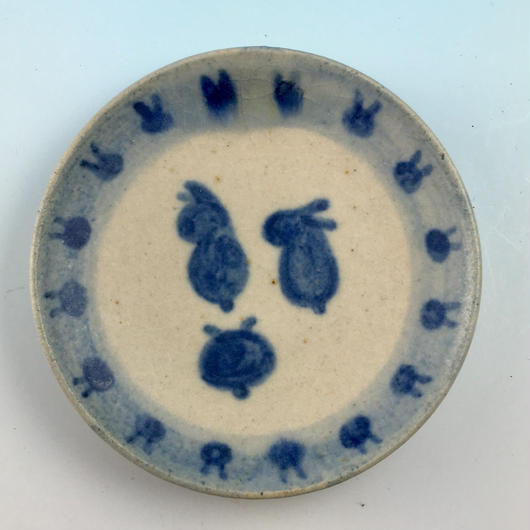【S049】豆皿(呉須手描き・うさぎ印)