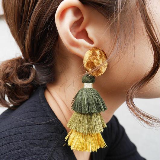 三段タッセルピアス(green×gold)