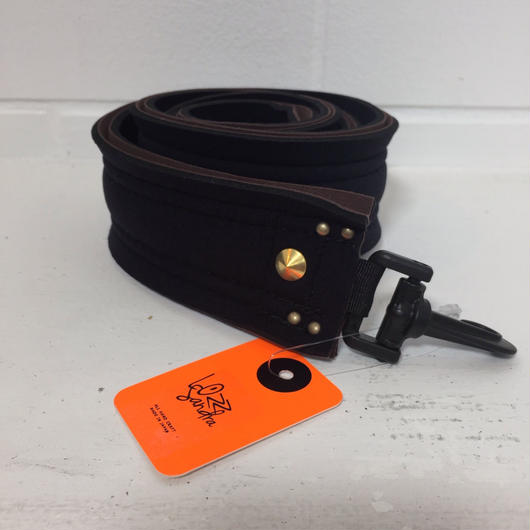 Lozz Sandra/shoulder strap /brown x black /gold studs