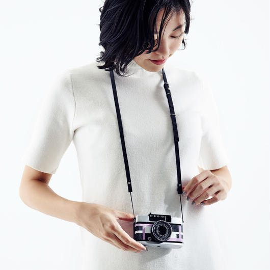 [11/7(月)~予約販売開始・受注生産]Camera strap black・ke shi ki +Rie-Came