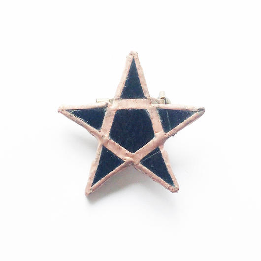 RSW BLACK STAR STAIND BROOCH