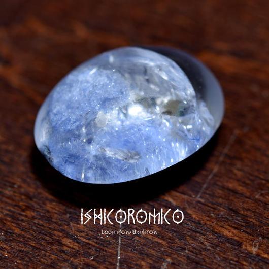 デュモルチェライト入り水晶 (ブラジル産)