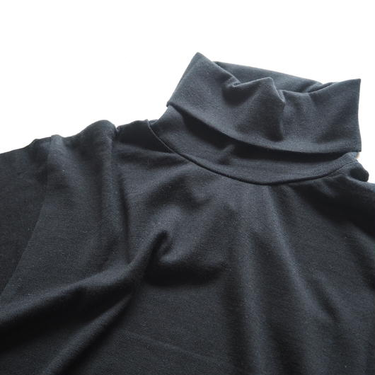 "Graphpaper ""Washable Wool High Neck Tee""  Black unisex"