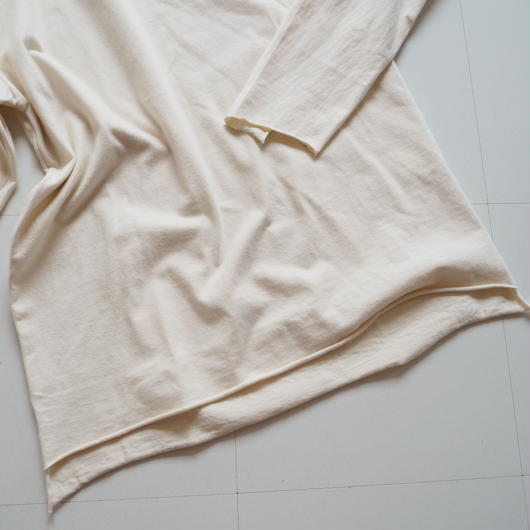 "UNUSED ""US1347 Long-sleeve T-shirt. "" Off white women"