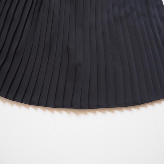 """Graphpaper """"Satin Easy Pleat Skirt"""" Black"""