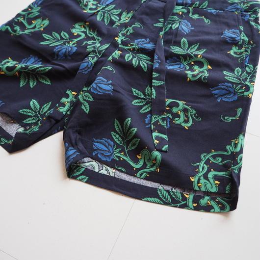 "UNUSED ""UW0651 Rose Pattern Shorts."" Dark Navy unisex"