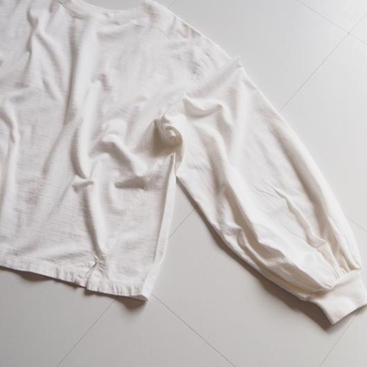 "UNUSED ""US1504 Long-sleeve T-shirt. "" White women"