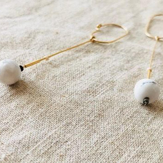 cinq / Inq dot earring / 14 K   gold filed  with Howlite / シンク /14k ゴールドフィル / ハウライト ピアス