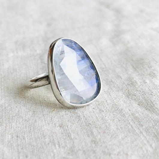 ishi jewelry / moonstone silver ring / イシジュエリー / ムーンストーン シルバーリング
