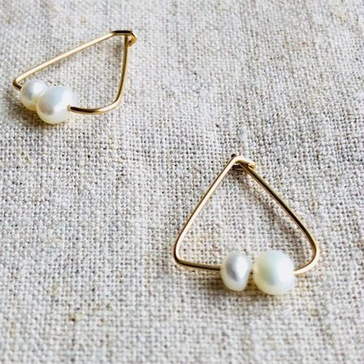 cinq / triangle pearl  earring  / 14 K   gold filed / シンク /トライアングルパール ピアス