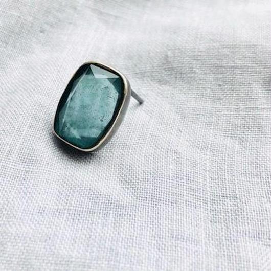 ishi jewelry / earring sencillo aquamarine  moss   / silver  bezel / イシ ジュエリー/ シルバー片耳ピアス /