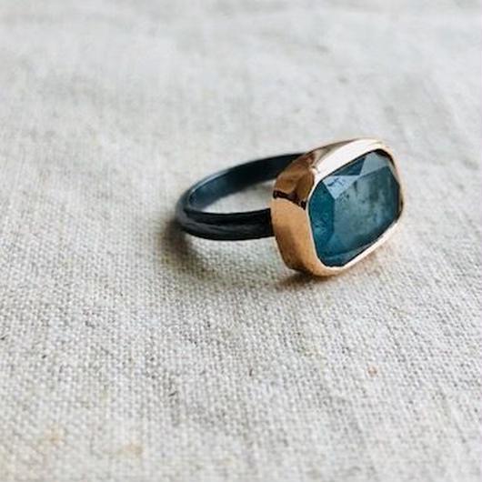 ishi jewelry /10k rose gold bezel x oxidized silver ring with Moss Aquamarine