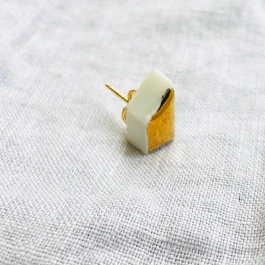 juju made / porcelain trapezoid earring gold glazed  /ジュジュメイド/ ポーセリン(陶磁器)/ 片耳ピアス