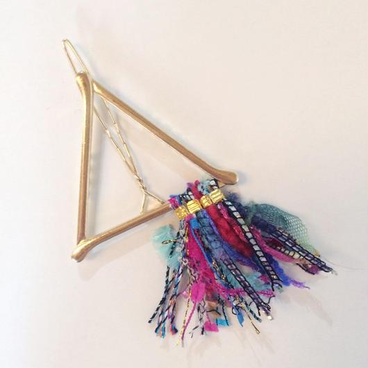 Pyramid Fringe Clip / 090502