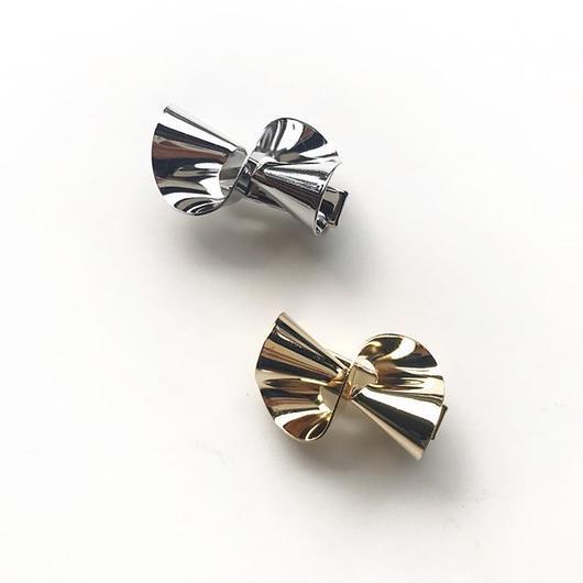 ∴ ruffle clip ∴