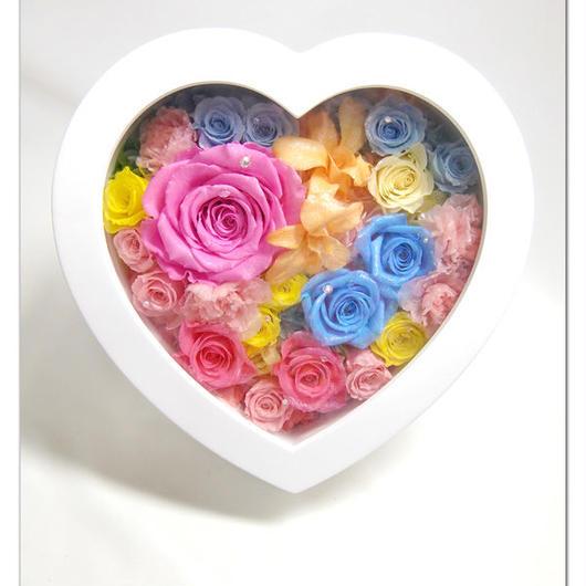 【プリザーブドフラワー/ハートフレームアレンジ】ハートの中に虹色の薔薇と愛を込めて