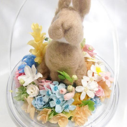 【プリザーブドフラワー/オルゴールアレン】ドームの宇宙に咲くお花畑にいるウサギさんからの伝えたい幸せな物語