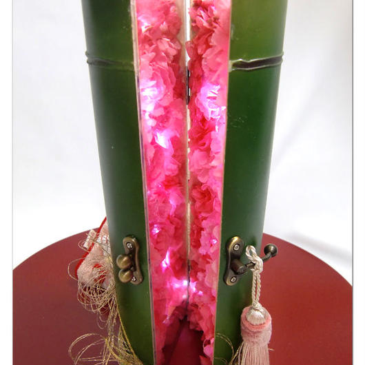 【プリザーブドフラワー】竹筒の中からピンクの色の薔薇と愛の光に癒されて【送料無料 ラッピング付き】