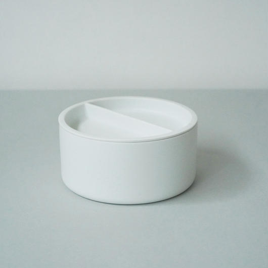 Container L / White