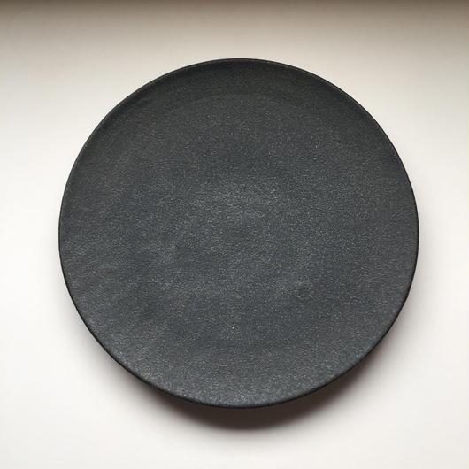 黒いフラットなプレート L
