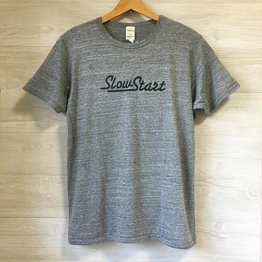 Slow Start ロゴTシャツ(ヴィンテージヘザー)