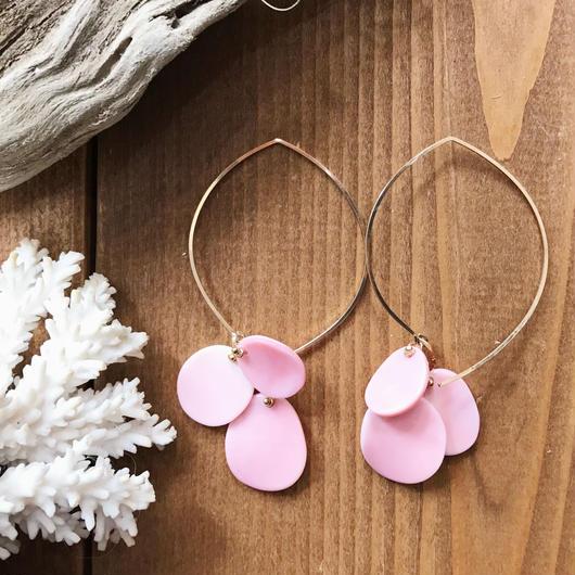 14KGF Queen Conch Shell Hoop Earrings