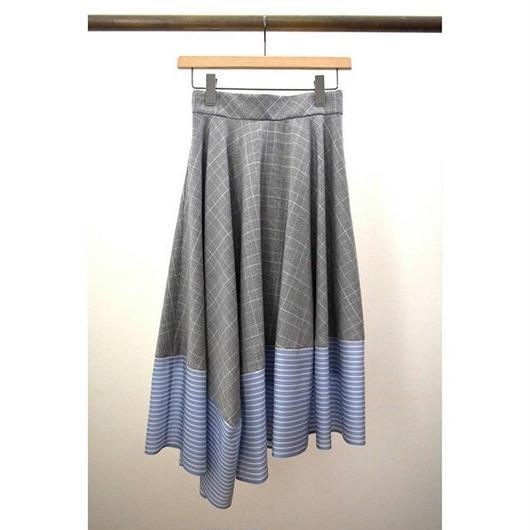 check × stripe inside flare skirt GRAY check × BLUE stripe