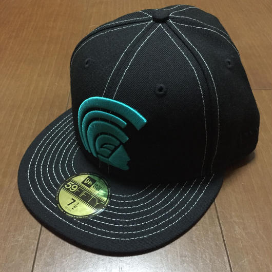 "FITTED ""MUA"" BLACK/TEAL 7'1/2 FITTED HAT"