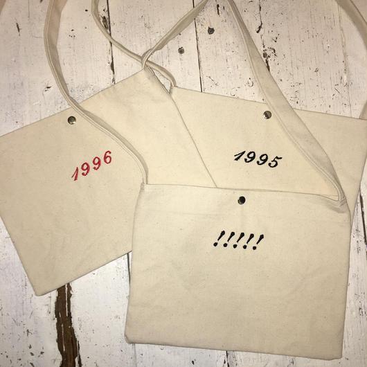 刺繍 サコッシュバッグ