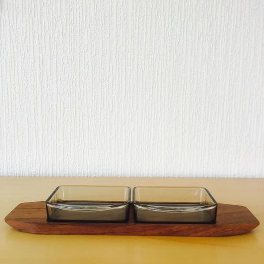 ガラスとローズウッドのデイッシュトレイ