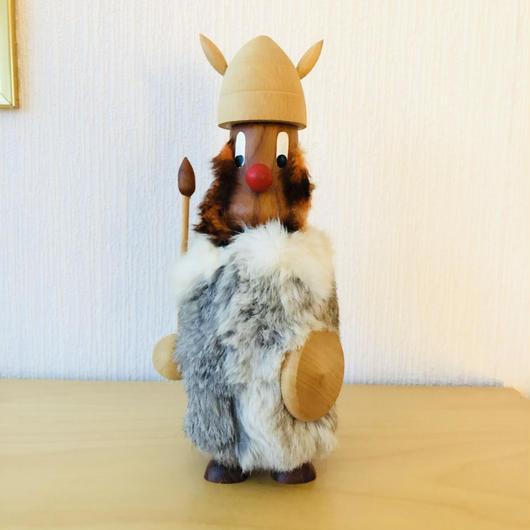 チーク製のモフモフ毛皮をまとったバイキング/特大サイズ