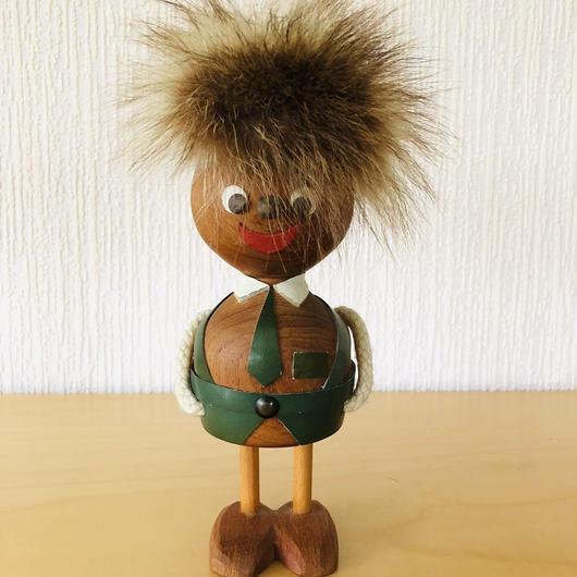 チーク製のモフモフあたまのトロールの坊や/Ulla-Britt Alklid