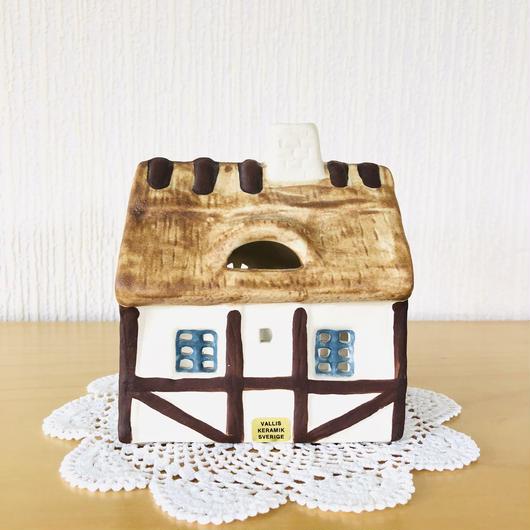VALLIS Keramik/ヴァリス セラミック/スコーネ地方のおうち型キャンドルスタンド