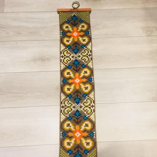 タペストリー/北欧刺繍/チークの金具