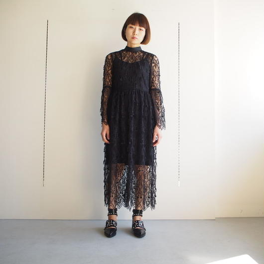 LOKITHO/フリンジ刺繍ドレス
