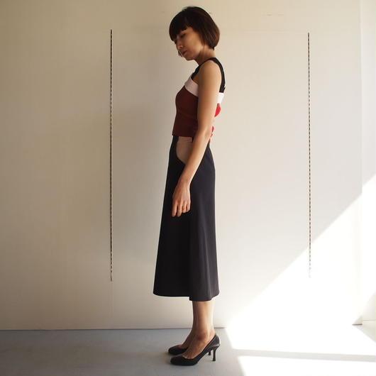 AKANE  UTSUNOMIYA/パイピングスカート