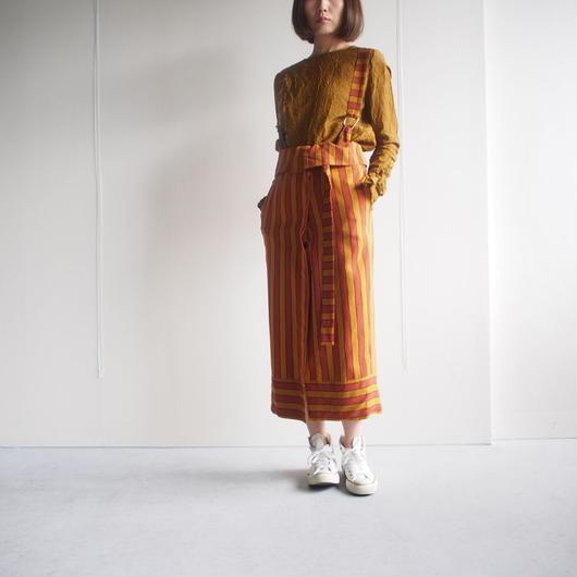 AKANE  UTSUNOMIYA/サスペンダー付ストライプスカート