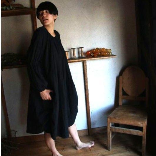 UJU[ウジュ] / ギャザーしぼり袖ガーゼワンピース(ladies)