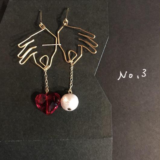 iki 針金アクセサリー ピアス両耳用(吊りレッドハート&パール)