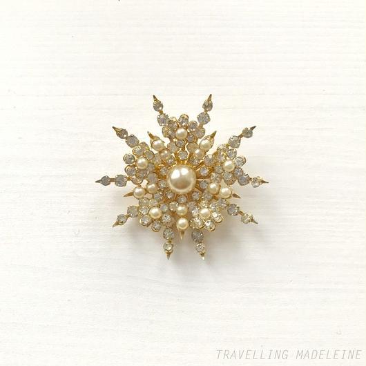 CORO Rhinestone & Pearl Snowflake Brooch ラインストーン&パール 雪の結晶 ブローチ(W18-317B)