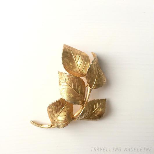 Grosse グロッセ  ゴールドリーフ ブローチ  Grosse Gold Leaf Brooch (Su17-160B)