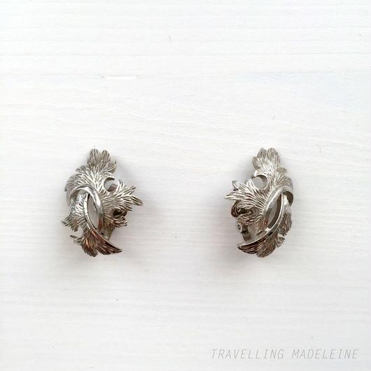 Trifari トリファリ シルバーリーフ クリップイヤリング Trifari Silver Leaf Clip Earrings (Sp18-69E)