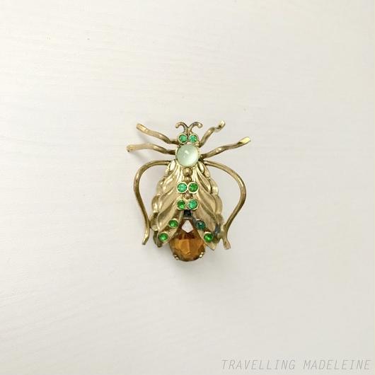 Gold Wing & Yellow Bijoux Bug Brooch 金の羽 & イエローグラス 虫 ブローチ(W18-322B)