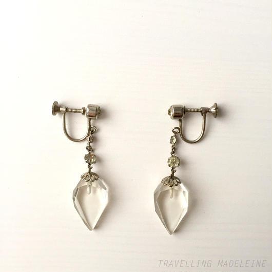 アールデコ ダイヤ型クリアグラス スクリューイヤリング Art Deco Czech Clear Glass Diamond Shaped Screw Earrings (W17-137E)