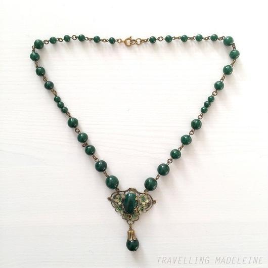 Dark Forest Green Czech Glass & White Enameled Flower Necklace 深緑 チェコガラス  & 花飾り ネックレス(W18-124N)