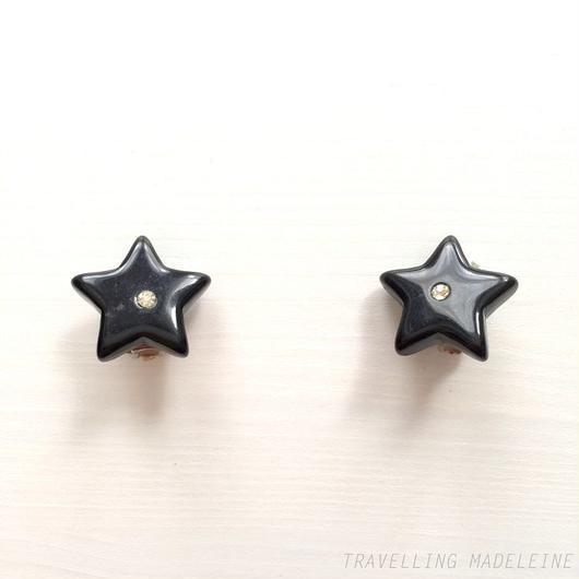 ブラックスター & ラインストーン クリップイヤリング Black Star & A Rhinestone Clip Earrings (W18-15E)